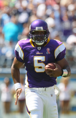 SAN DIEGO, CA - SEPTEMBER 11:  Donovan McNabb #5 of the Minnesota Vikings in action against the San Diego Chargers during their season opener on September 11, 2011 at Qualcomm Stadium in San Diego, California. (Photo by Donald Miralle/Getty Images)