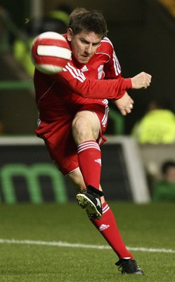 GLASGOW, UNITED KINGDOM - OCTOBER 04: Peter Bearsdley of Liverpool Legends in action during the charity challenge match at Celtic Park on October 4, 2006 in Glasgow, Scotland.  (Photo by Jeff J Mitchell/Getty Images)