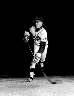 Tom-glavine-hockey-portrait_display_image