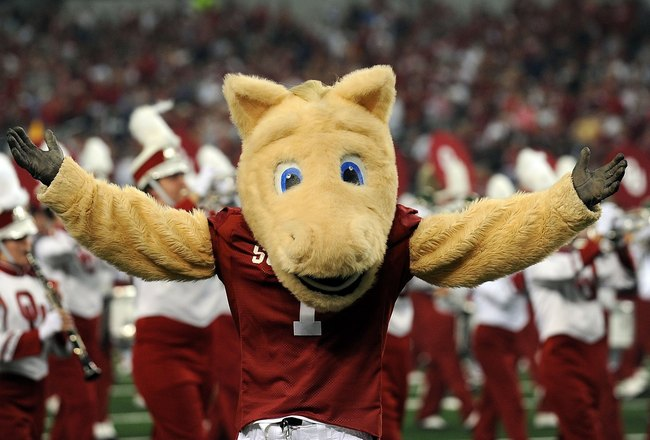 ARLINGTON, TX - SEPTEMBER 05:  The Oklahoma Sooners mascot at Cowboys Stadium on September 5, 2009 in Arlington, Texas.  (Photo by Ronald Martinez/Getty Images)