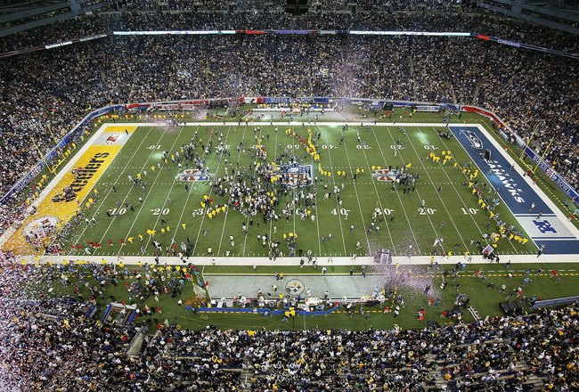 DETROIT - FEBRUARY 05:  The Pittsburgh Steelers celebrate on the field after defeating the Seattle Seahawks in Super Bowl XL at Ford Field on February 5, 2006 in Detroit, Michigan.The Steelers defeated the Seahawks 21-10. (Photo by Jonathan Ferrey/Getty I