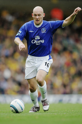 NORWICH, ENGLAND - OCTOBER 23:  Thomas Gravesen of Everton in action during the Barclays Premiership match between Norwich City and Everton at the Carrow Road on October 23, 2004 in Norwich, England.  (Photo by Shaun Botterill/Getty Images)