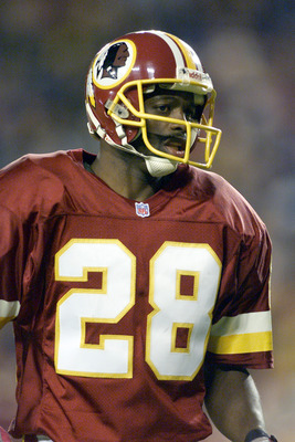 28 Oct 2001 : Darrell Green of the Washington Redskins during the game against the New York Giants at Fed Ex Field in Landover, Maryland. The Redskins won 35-21. DIGITAL IMAGE. Mandatory Credit: Jamie Squire/Allsport
