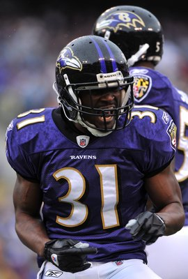 BALTIMORE - NOVEMBER 1:  Fabian Washington #31 of the Baltimore Ravens celebrates a play against the Denver Broncos at M&T Bank Stadium on November 1, 2009 in Baltimore, Maryland. The Ravens defeated the Broncos 30-7. (Photo by Larry French/Getty Images)