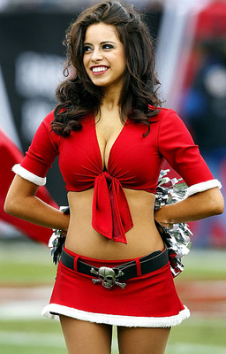 Buccaneers-cheerleader8_original_display_image