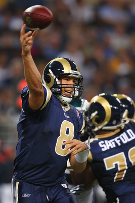 ST. LOUIS - SEPTEMBER 11: Sam Bradford #8 of the St. Louis Rams passes against Philadelphia Eagles at the Edward Jones Dome on September 11, 2011 in St. Louis, Missouri. (Photo by Dilip Vishwanat/Getty Images)