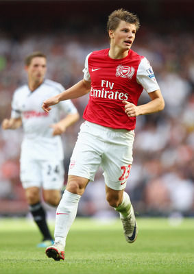 LONDON, ENGLAND - SEPTEMBER 10:  Andrey Arshavin of Arsenal in action during the Barclays Premier League match between Arsenal and Swansea City at Emirates Stadium on September 10, 2011 in London, England.  (Photo by Clive Mason/Getty Images)