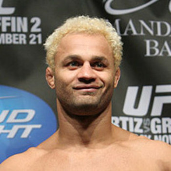 Koscheck-josh-ufc106-2_display_image