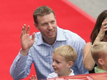 ST LOUIS, MO - JULY 14: Roy Halladay of Toronto Blue Jays takes part in the MLB All-Star Game Red Carpet Parade on July 14, 2009 in St Louis, Missouri. (Photo by Dilip Vishwanat/Getty Images)