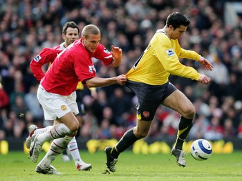 Van Persie and Vidic will go head to head once again, this time in a battle for theoretical English dominance.