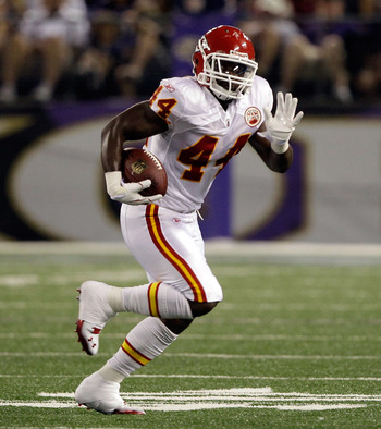 BALTIMORE, MD - AUGUST 19:  Le'Ron McClain #44 of the Kansas City Chiefs carries the ball against the Baltimore Ravens during a preseason game at M&T Bank Stadium on August 19, 2011 in Baltimore, Maryland. The Ravens won 31-13. (Photo by Rob Carr/Getty Im
