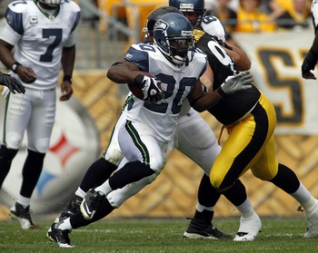 PITTSBURGH, PA - SEPTEMBER 18:   Justin Forsett #20 of the Seattle Seahawks carries the ball against the Pittsburgh Steelers during the game on September 18, 2011 at Heinz Field in Pittsburgh, Pennsylvania.  (Photo by Justin K. Aller/Getty Images)