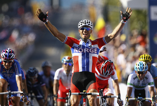 GEELONG, AUSTRALIA - OCTOBER 03:  Thor Hushovd of Norway celebrates as he crosses the line to win the Elite Men's Road Race on day five of the UCI Road World Championships on October 3, 2010 in Geelong, Australia.  (Photo by Robert Prezioso/Getty Images)