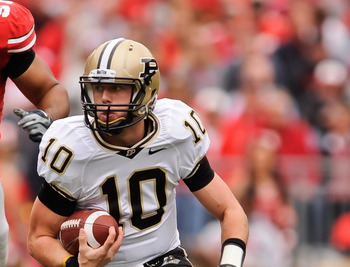 COLUMBUS, OH - OCTOBER 23:  Quarterback Sean Robinson #10 of the Purdue Boilermakers runs with the ball against the Ohio State Buckeyes at Ohio Stadium on October 23, 2010 in Columbus, Ohio.  (Photo by Jamie Sabau/Getty Images)