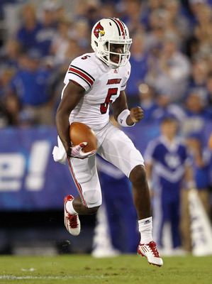 LEXINGTON, KY - SEPTEMBER 17:  Teddy Bridgewater #5 of the Louisville Cardinals runs with the ball during the game against the Kentucky Wildcats at Commonwealth Stadium on September 17, 2011 in Lexington, Kentucky.  (Photo by Andy Lyons/Getty Images)