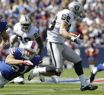 Raiders_bills_football_90318_team_display_image