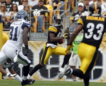 PITTSBURGH, PA - SEPTEMBER 18:   Antonio Brown #84 of the Pittsburgh Steelers returns a kick off against the Seattle Seahawks during the game on September 18, 2011 at Heinz Field in Pittsburgh, Pennsylvania.  (Photo by Justin K. Aller/Getty Images)