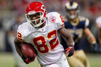 ST. LOUIS, MO - DECEMBER 19: Dwayne Bowe #82 of the Kansas City Chiefs runs up field after catching a pass against the St. Louis Rams at the Edward Jones Dome on December 19, 2010 in St. Louis, Missouri.  The Chiefs beat the Rams 27-13.  (Photo by Dilip V
