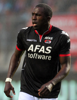 ENSCHEDE, NETHERLANDS - AUGUST 13:  Jozy Altidore of AZ Alkmaar in action during the Eredivisie League match between FC Twente and AZ Alkmaar held on August 13, 2011 at the De Grolsch Veste Stadium, in Enschede, Netherlands. (Photo by Anoek De Groot/EuroF