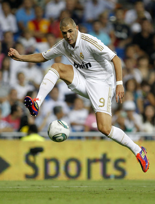 MADRID, SPAIN - AUGUST 24:  Karim Benzema of Real Madrid in action during the Santiago Bernabeu Trophy match between Real Madrid and Galatasaray at Estadio Santiago Bernabeu on August 24, 2011 in Madrid, Spain.  (Photo by Angel Martinez/Getty Images)