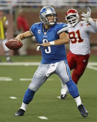 DETROIT, MI - SEPTEMBER 18:  Matthew Stafford #9 of the Detroit Lions gets ready to pass the football during a NFL game against the Kansas City Chiefs at Ford Field on September 18, 2011 in Detroit, Michigan. The Lions won 48-3 (Photo by Dave Reginek/Gett