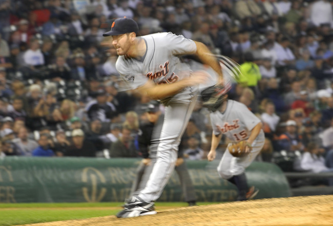CHICAGO, IL - SEPTEMBER 13:  Starting pitcher Justin Verlander #35 of the Detroit Tigers delivers during the seventh inning against the Chicago White Sox at U.S. Cellular Field on September 13, 2011 in Chicago, Illinois.  (Photo by Brian Kersey/Getty Imag