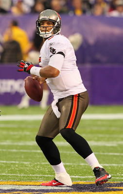 MINNEAPOLIS, MN - SEPTEMBER 18:  Josh Freeman #5 of the Tampa Bay Buccaneers looks to pass at the Hubert H. Humphrey Metrodome on September 18, 2011 in Minneapolis, Minnesota.  (Photo by Adam Bettcher /Getty Images)