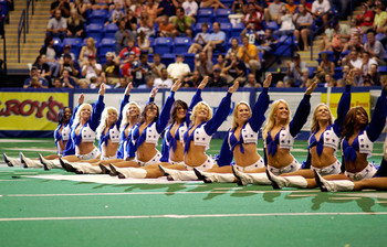 Pict0202-1_dallascowboyscheerleaderssplits_display_image