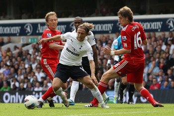 LONDON, ENGLAND - SEPTEMBER 18:  Luka Modric of Tottenham Hotspur controls the ball during the Barclays Premier League match between Tottenham Hotspur and Liverpool at White Hart Lane on September 18, 2011 in London, England.  (Photo by Clive Rose/Getty I