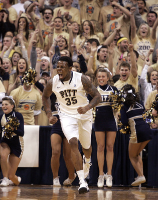 PITTSBURGH, PA - JANUARY 17:  Nasir Robinson #35 of the Pittsburgh Panthers celebrates a lay up against the Syracuse Orange at Petersen Events Center on January 17, 2011 in Pittsburgh, Pennsylvania.  (Photo by Justin K. Aller/Getty Images)