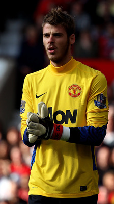 MANCHESTER, ENGLAND - SEPTEMBER 18:  David de Gea of Manchester United looks on during the Barclays Premier League match between Manchester United and Chelsea at Old Trafford on September 18, 2011 in Manchester, England.  (Photo by Clive Brunskill/Getty I