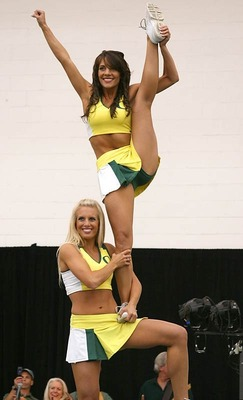 Oregon-ducks-cheerleaders-hotties2_display_image