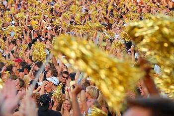 Vanderbilt-football-fans_display_image