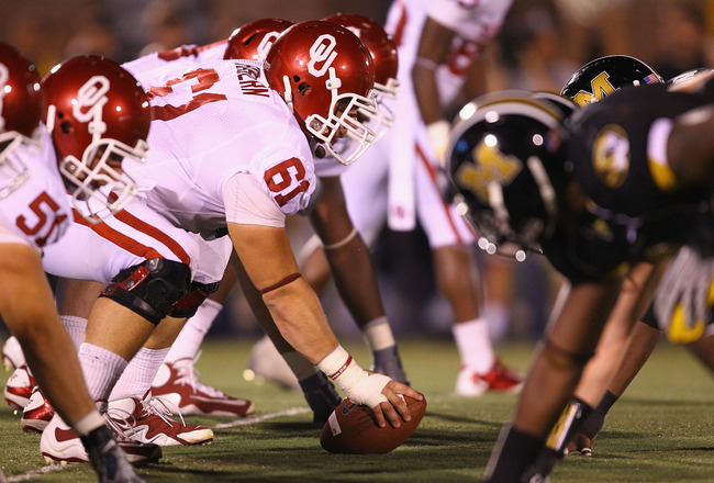 COLUMBIA, MO - OCTOBER 23: Ben Habern #61 of the Oklahoma Sooners in action against the Missouri Tigers at Faurot Field/Memorial Stadium on October 23, 2010 in Columbia, Missouri.  The Tigers beat the Sooners 36-27.  (Photo by Dilip Vishwanat/Getty Images