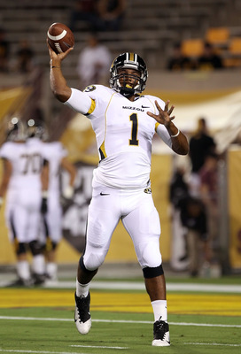 TEMPE, AZ - SEPTEMBER 09:  Quarterback James Franklin #1 of the Missouri Tigers warms up before the college football game against the Arizona State Sun Devils at Sun Devil Stadium on September 9, 2011 in Tempe, Arizona.  (Photo by Christian Petersen/Getty