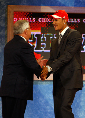 NEW YORK - JUNE 26:  NBA Commissioner David Stern shakes hands with number one draft pick for the Chicago Bulls, Derrick Rose during the 2008 NBA Draft at the Wamu Theatre at Madison Square Garden June 26, 2008 in New York City. NOTE TO USER: User express