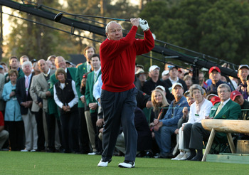 AUGUSTA, GA - APRIL 07:  Arnold Palmer watches his ceremonial first tee shot to start the first round of the 2011 Masters Tournament at Augusta National Golf Club on April 7, 2011 in Augusta, Georgia.  (Photo by Ross Kinnaird/Getty Images for Golf Week)