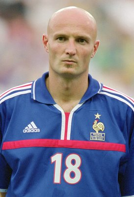 15 Aug 2001:  Portrait of Frank Leboeuf of France before the start of the International Friendly match against Denmark played at the Stade de Beaujoire in Nantes, France.  France won the match 1 - 0. \ Mandatory Credit: Alex Livesey /Allsport