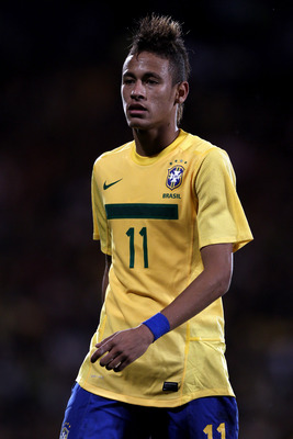 LONDON, ENGLAND - SEPTEMBER 05:  Neymar of Brazil looks on during the International friendly match between Brazil and Ghana at Craven Cottage on September 5, 2011 in London, England.  (Photo by Clive Rose/Getty Images)