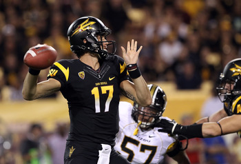 TEMPE, AZ - SEPTEMBER 09:  Quarterback Brock Osweiler #17 of the Arizona State Sun Devils throws a pass against the Missouri Tigers during the college football game at Sun Devil Stadium on September 9, 2011 in Tempe, Arizona. The Sun Devils defeated the T