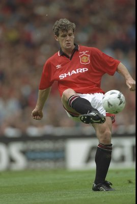 20 May 1995:  Mark Hughes of Manchester United passes the ball during the FA Cup final against Everton at Wembley Stadium in London. Everton won the match 1-0. \ Mandatory Credit: David  Cannon/Allsport