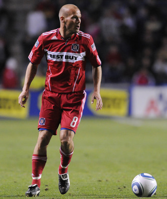 BRIDGEVIEW, IL - SEPTEMBER 25:  Freddie Ljungberg #8 of the Chicago Fire moves the ball against the Seattle Sounders FC during an MLS match on September 25, 2010 at Toyota Park in Bridgeview, Illinois. The Sounders defeated the Fire 1-0. (Photo by David B