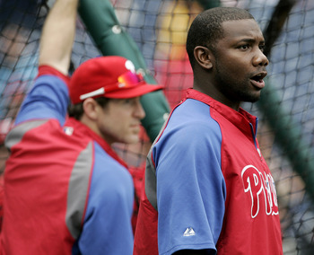 PHILADELPHIA, PA - SEPTEMBER 17: Ryan Howard (R) of the Philadelphia Phillies watches batting practice next to Chase Utley before the start of a game against the St. Louis Cardinals on September 17, 2011 at Citizens Bank Park in Philadelphia, Pennsylvania