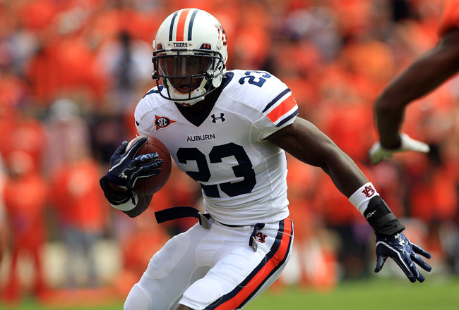 CLEMSON, SC - SEPTEMBER 17:  Onterio McCalebb #23 of the Auburn Tigers against the Clemson Tigers during their game at Memorial Stadium on September 17, 2011 in Clemson, South Carolina.  (Photo by Streeter Lecka/Getty Images)