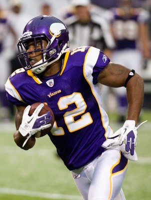 MINNEAPOLIS, MN - SEPTEMBER 18: Percy Harvin #12 of the Minnesota Vikings carries the ball against the Tampa Bay Buccaneers in the third quarter on September 18, 2011 at Hubert H. Humphrey Metrodome in Minneapolis, Minnesota. The Buccaneers defeated the V