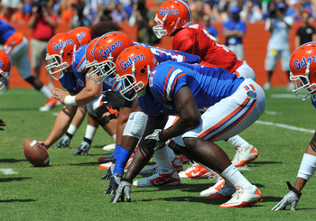 GAINESVILLE, FL - APRIL 9:  Tight end A. C. Leonard #81 of the Florida Gators lines up on the offensive line during the Orange and Blue spring football game April 9, 2011 at Ben Hill Griffin Stadium in  Gainesville, Florida.  (Photo by Al Messerschmidt/Ge