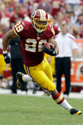 LANDOVER, MD - SEPTEMBER 18:  Roy Helu #29 of the Washington Redskins carries the ball against the Arizona Cardinals during the second half at FedExField on September 18, 2011 in Landover, Maryland. Washington defeated the Arizona 22-21.  (Photo by Rob Ca