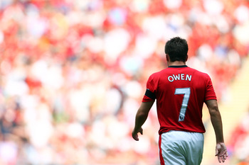 LONDON, ENGLAND - AUGUST 09:  CMichael Owen of Manchester United looks on during the FA Community Shield match between Manchester United and Chelsea at Wembley Stadium on August 9, 2009 in London, England.  (Photo by Jamie McDonald/Getty Images)