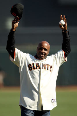 SAN FRANCISCO - OCTOBER 19:  Former San Francisco Giants outfielder Barry Bonds acknowledges the crowd prior to Game Three of the NLCS against the San Francisco Giants during the 2010 MLB Playoffs at AT&T Park on October 19, 2010 in San Francisco, Califor