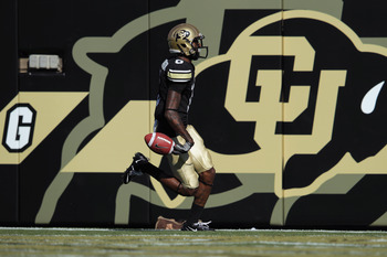 BOULDER, CO - SEPTEMBER 10:  Paul Richardson #6 of the Colorado Buffaloes scores a touchdown against the California Golden Bears at Folsom Field on September 10, 2011 in Boulder, Colorado.  (Photo by Doug Pensinger/Getty Images)